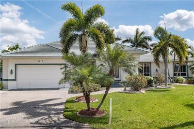 Punta Gorda Single Family Home For Sale: 1316 Socorro Drive