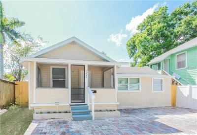St Petersburg Single Family Home For Sale: 1222 Highland Court N