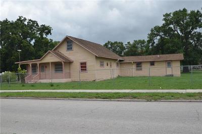 Arcadia Single Family Home For Sale: 1705 NE Oak Street