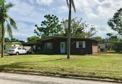 Port Charlotte Single Family Home For Sale: 3698 Easy Street