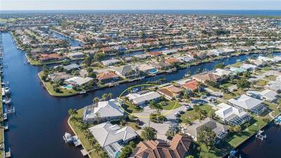 Punta Gorda Single Family Home For Sale: 481 Capri Isles Court