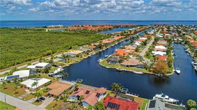 Punta Gorda Single Family Home For Sale: 262 Colony Point Drive