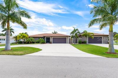 Cape Coral Single Family Home For Sale: 5249 Seminole Court