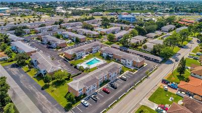 Port Charlotte Condo For Sale: 4158 Tamiami Trail #T7