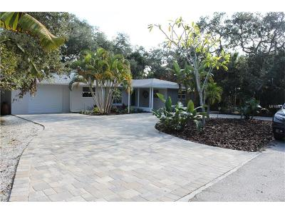 Englewood Single Family Home For Sale: 4015 Bay Oaks Circle