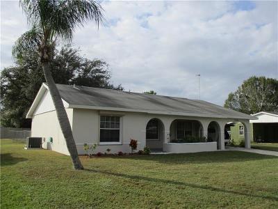 Port Charlotte Single Family Home For Sale: 22305 Buffalo Avenue