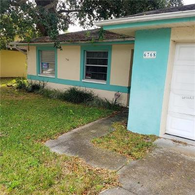 Sarasota Single Family Home For Auction: 6768 Mauna Loa Boulevard
