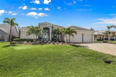Port Charlotte Single Family Home For Sale: 15898 Aqua Circle