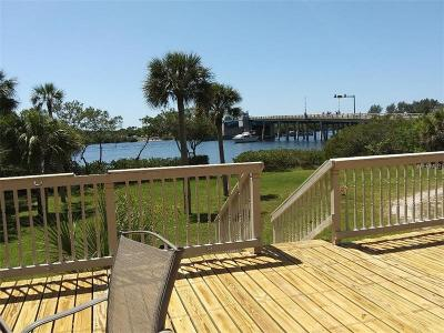 Englewood Single Family Home For Sale: 2057 Manasota Beach Road