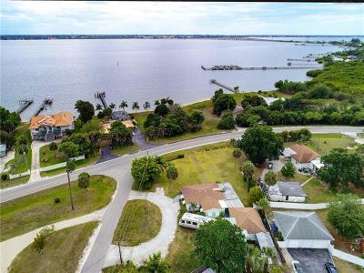 Port Charlotte Single Family Home For Sale: 24130 Harborview Road
