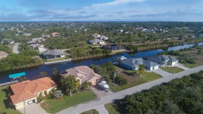 Port Charlotte Single Family Home For Sale: 15248 Lakeland Cir