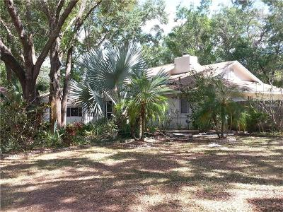 Tampa Single Family Home For Sale: 12726 Barrett Drive