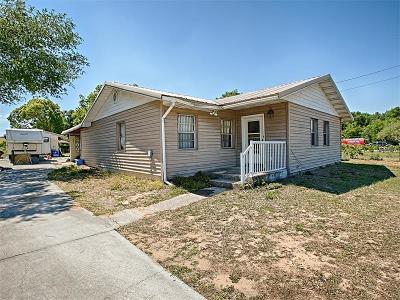 Fruitland Park Single Family Home For Sale: 3879 Picciola Road