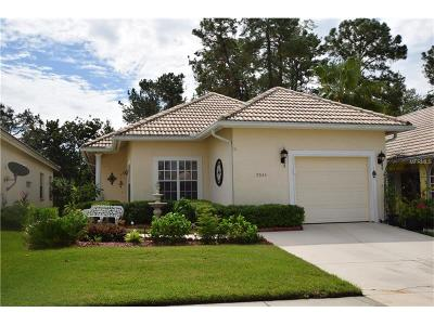 Mount Dora Single Family Home For Sale: 9043 Saint Andrews Way