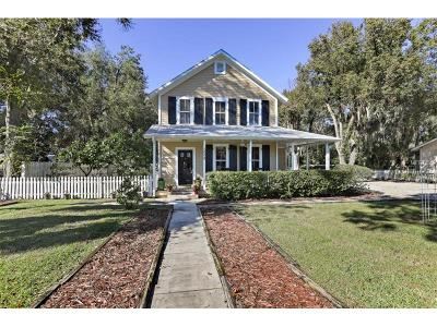 Eustis Single Family Home For Sale: 208 S Center Street