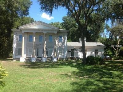 Dade City Single Family Home For Sale: 5243 Emerald Drive