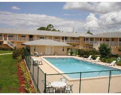 Mount Dora Condo For Sale: 1400 Eudora Road #A08
