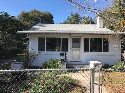 Mount Dora Single Family Home For Sale: 747 N Clayton Street