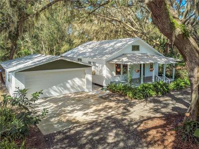 Umatilla Single Family Home For Sale: 573 Sunset Avenue