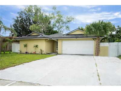 Winter Springs Single Family Home For Sale: 306 N Hawthorn Circle