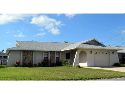 Bayport, Brooksville, Hernando Beach, Spring Hill, Weeki Wachee Single Family Home For Sale: 4155 Tampico Trail