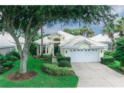 Venice Golf & Country Club Single Family Home For Sale: 525 Fallbrook Drive