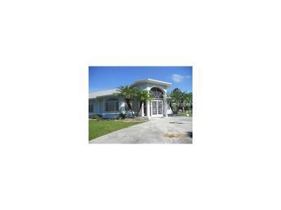 Port Charlotte Single Family Home For Sale: 18362 Hottelet Circle