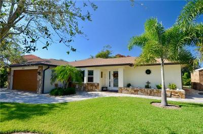 Venice Single Family Home For Sale: 800 Osprey Street