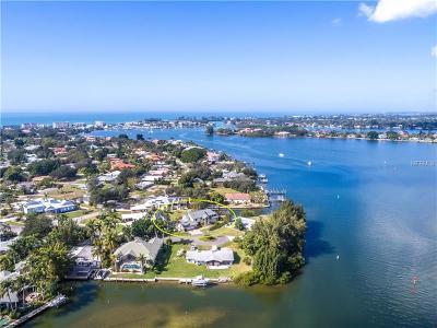 Venice Single Family Home For Sale: 216 Bayshore Circle