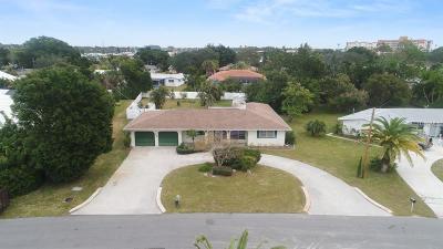 Venice Single Family Home For Sale: 324 Park Lane Drive