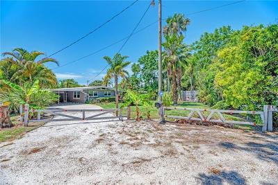Nokomis Single Family Home For Sale: 217 Pecan Lane