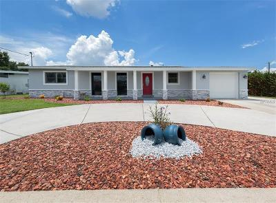 Port Charlotte Single Family Home For Sale: 21841 Edgewater Drive