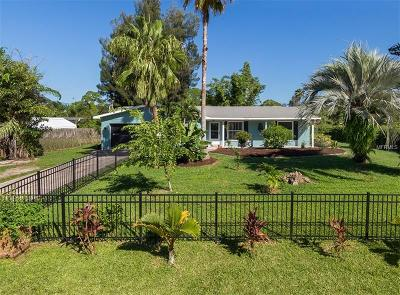 Venice Single Family Home For Sale: 510 Alligator Drive