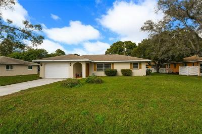 Venice Single Family Home For Sale: 804 W Baffin Drive