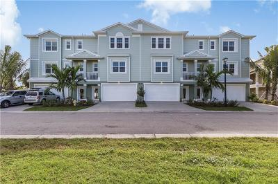 Placida Townhouse For Sale: 10301 Coral Landings Court #105
