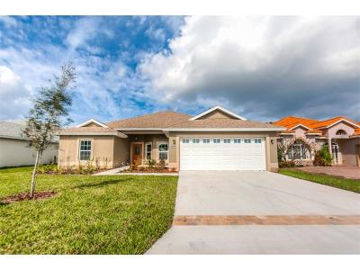 Tavares Single Family Home For Sale: 30454 Island Club Drive