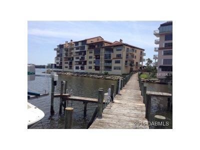 Daytona Beach Condo For Sale: 723 Marina Point Drive #7230