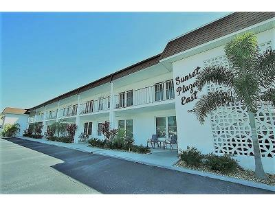 Saint Pete Beach, St Pete Beach Condo For Sale: 680 71st Avenue #1