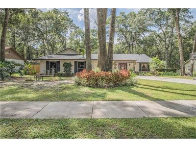 Apopka Single Family Home For Sale: 520 Whispering Oak Lane