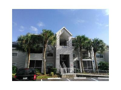 Lake Mary Condo For Sale: 2612 Grassy Point Drive #202