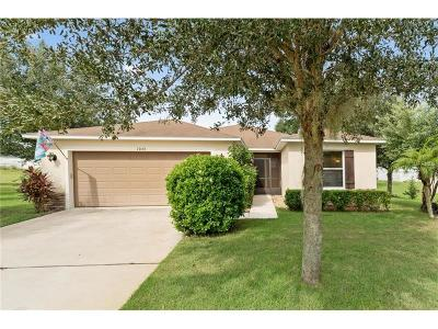 Apopka Single Family Home For Sale: 2044 Wavy Leaf Court