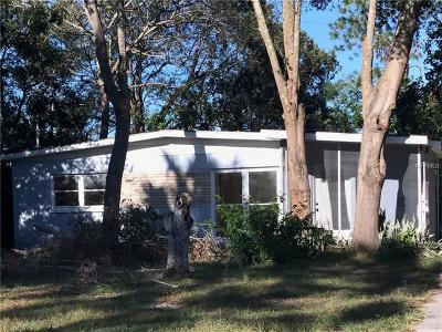 Eustis Single Family Home For Sale: 841 Edgewater Circle