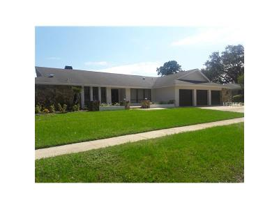 Clearwater Single Family Home For Sale: 3125 Gleneagles Drive E