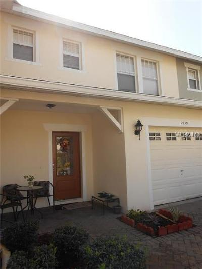Kissimmee Townhouse For Sale: 2049 Cypress Bay Boulevard