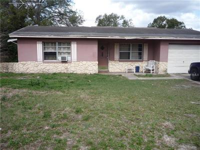 Orange City  Single Family Home For Sale: 205 E Holly Drive