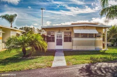 Winter Haven Mobile/Manufactured For Sale: 7014 Fairview Village Circle