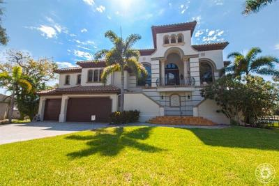 Sarasota Single Family Home For Sale: 1717 Southpointe Drive