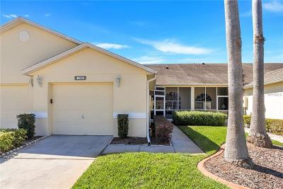 Kissimmee Townhouse For Sale: 196 Club Villas Lane
