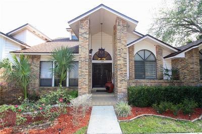 Longwood Single Family Home For Sale: 113 Oak Leaf Lane