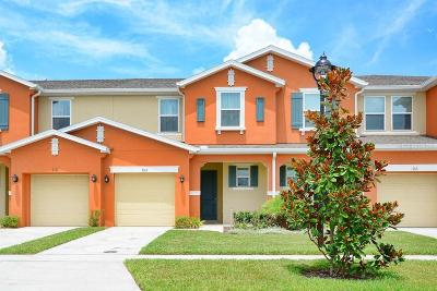 Kissimmee Townhouse For Sale: 3165 Tocoa Circle